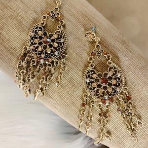 Jewelry - Beautiful Gold Colored Chandelier Drop Earrings